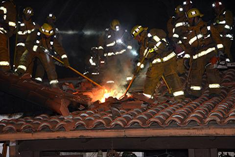 LAFD Firefighters Ventilate Roof at Deadly La Tuna Canyon House Fire